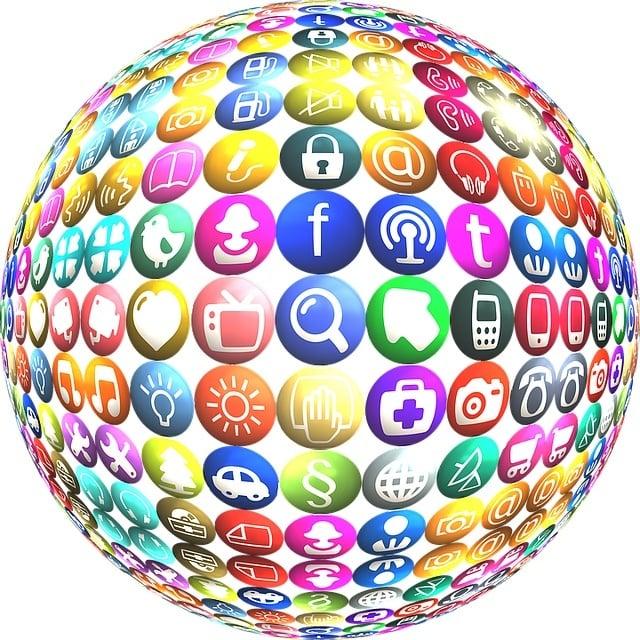 Social Media icon-1319606_640.jpg